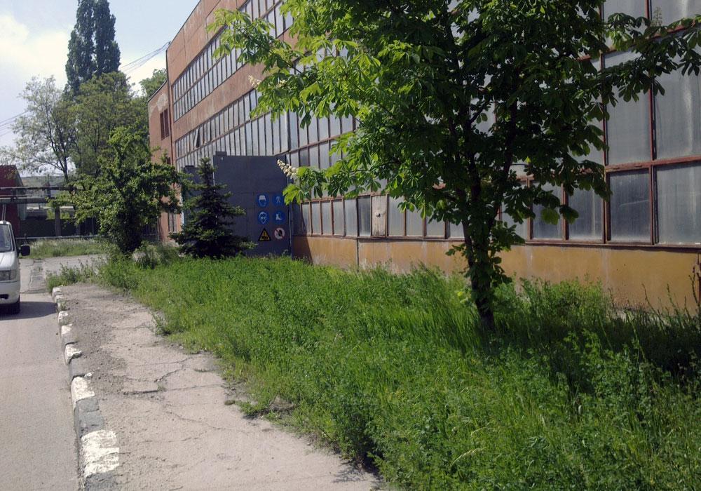 """Завод """"Стомана"""". Частен обект - изграждане и поддръжка на зелени площи."""